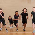 is_141126_gym_class_children_running_800x600